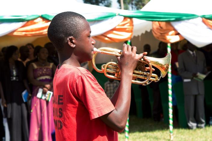 people-of-uganda-2398373_1920